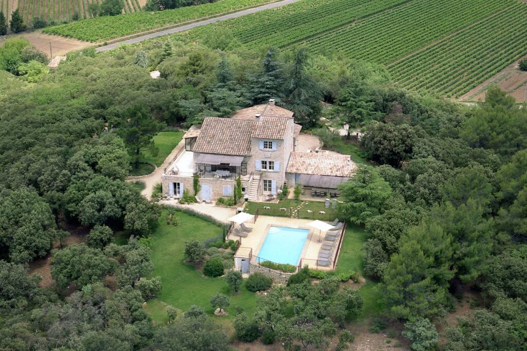 Bastide perch e sur sa colline maisons louer for Maison sur colline
