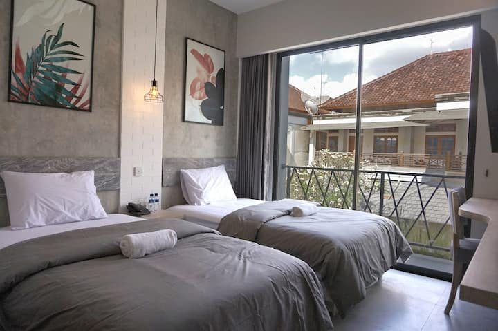 Cheap Superior Room close to Kuta Beach
