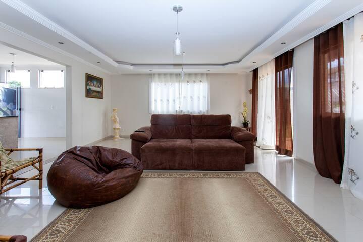 Perto da Esaf: ótima estadia em condomínio no Lago - Brasília - Rumah