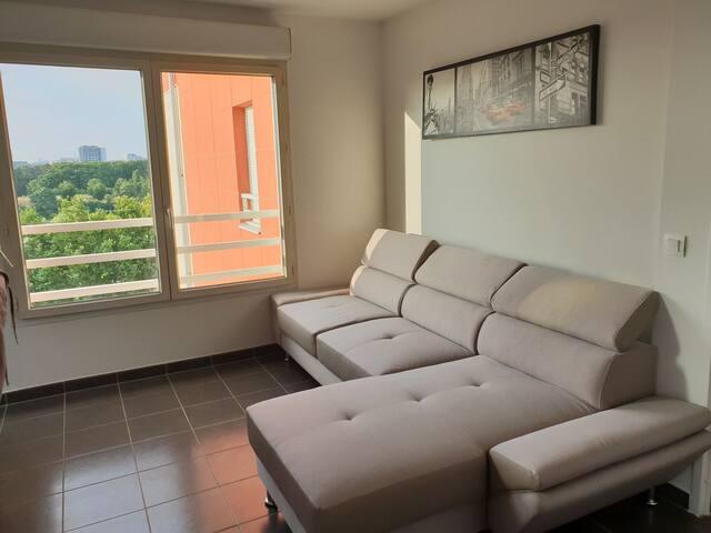 Charming flat with nice view  at 10 min La defense