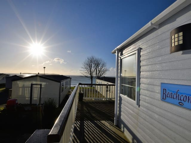 Lydstep Bay Caravan with Sea Views