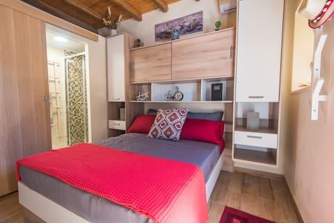 Studio Lagis - rustic cottage apartment
