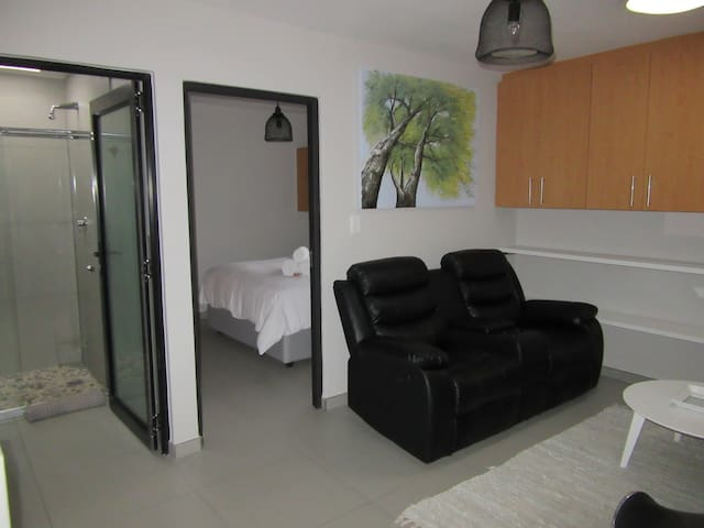 East Apartment - Peacefull and Private