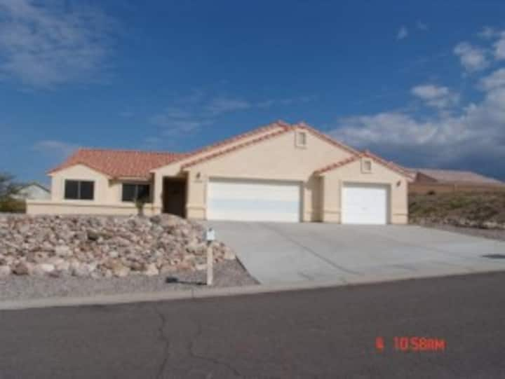Beautiful fully furnished (2579) off river home with excellent views (2579)