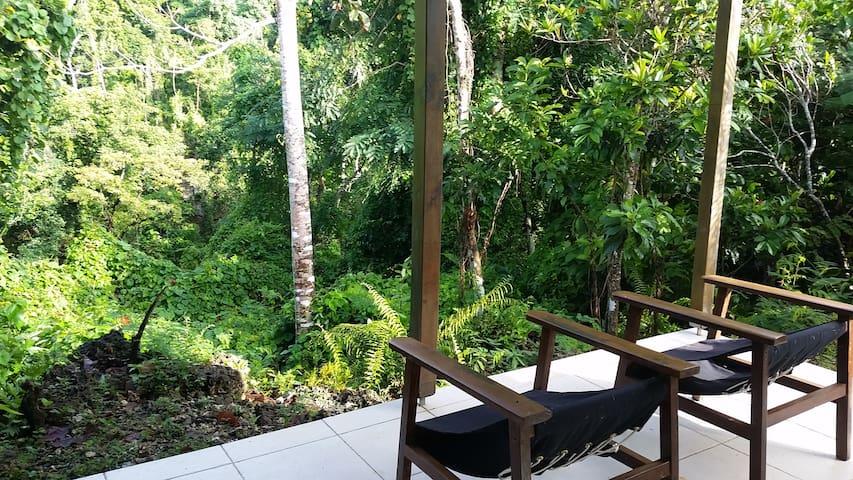 The Tank House - Port Vila - Bungalow