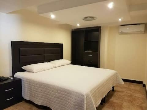 Casa Margarita Hotel:  Deluxe Room