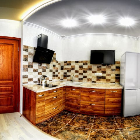 2-ве кухни,2-ве ванних комнати,рядом кл.Козявкина