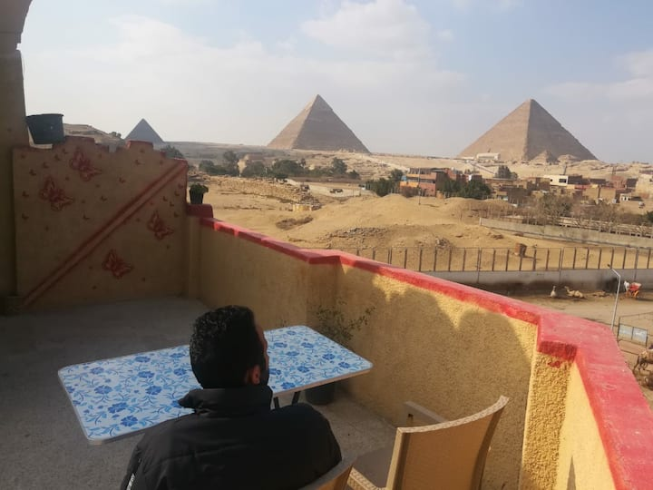 Apartment With Pyramids View