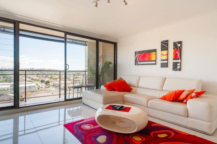 Stylish penthouse 10mins from beach - Maroubra - Flat