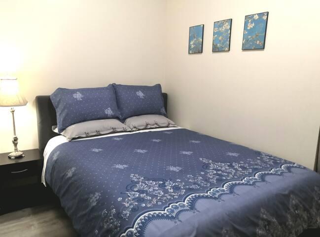 Queen bedroom C