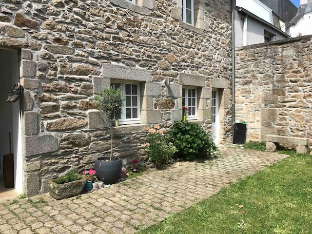 Spacious Studio in the heart of Douarnenez