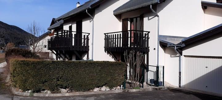 Appartement avec terrasse privative bien situé