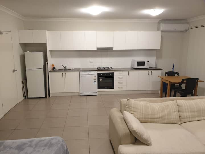 2bed 2 bath apartment old toongabbie