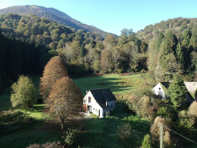 Family house - beautiful, secluded valley location