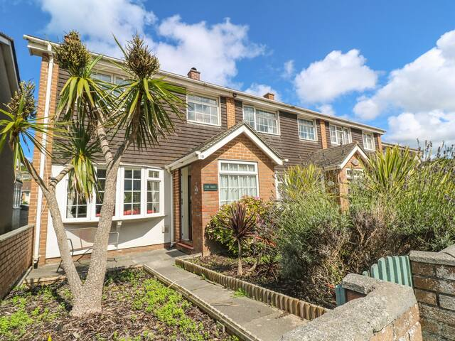 THE CHACE, pet friendly, with a garden in Portreath, Ref 989465