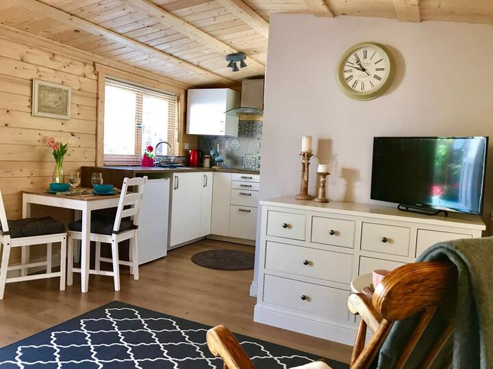 Garden studio cabin
