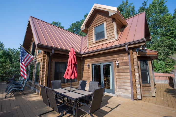 10 Mile Cabin Sleeps 16! Best Deal on AirBNB