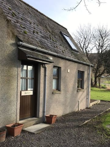 Self catering Bothy, Dufftown