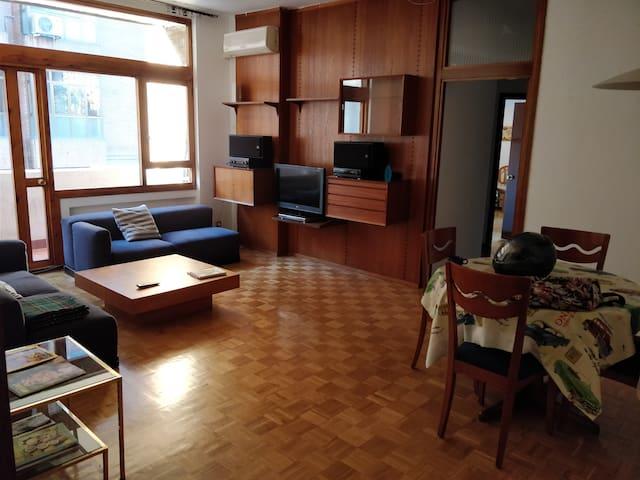 Cozy room close to the center