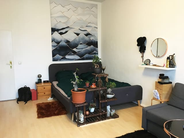 Bright and big room in beautiful Friedrichshain