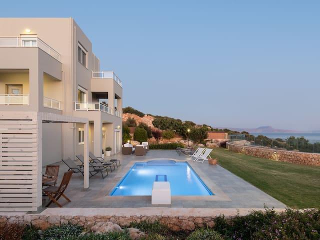 Villa Anemolia, amazing Sea Views!