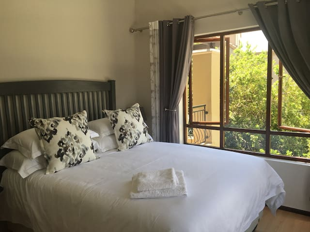 Khathala -Private Secure Apartment - Sandton