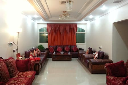Spacious, Quiet & Comfortable Room in Salwa