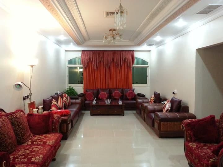 Spacious, Quiet & Comfortable Room in Salwa