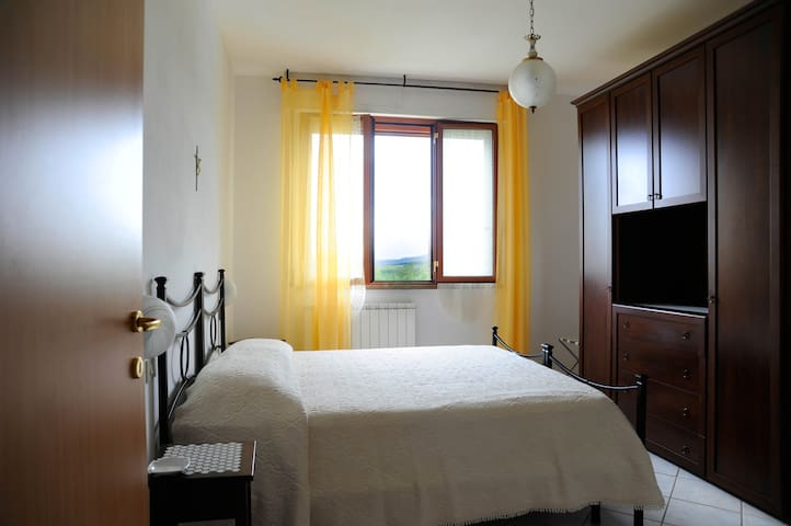 Apartment with 2 bedrooms in Tuscany