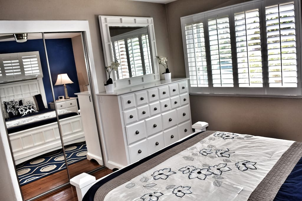 Private Gorgeous bedroom-Brand new updates!