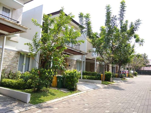 Serenia Hills House