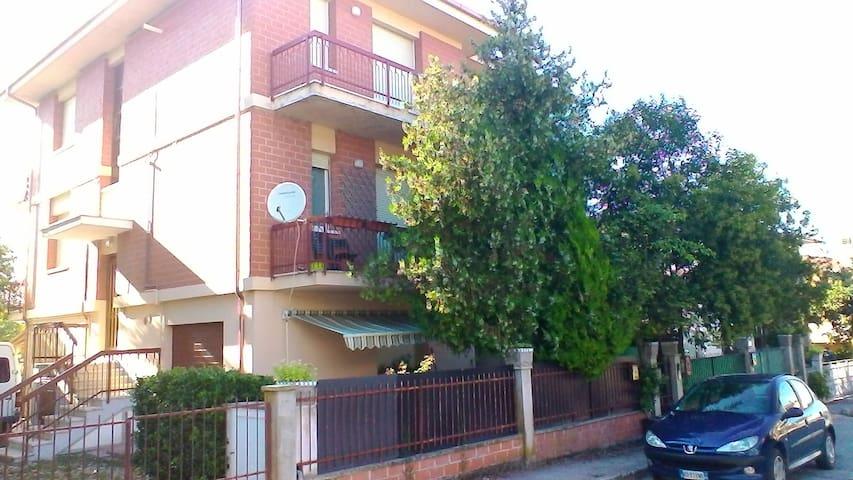 Appartamento in palazzina con giardino - Vallone