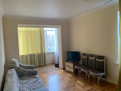 Двухкомнатная квартира в солнечной Пицунде