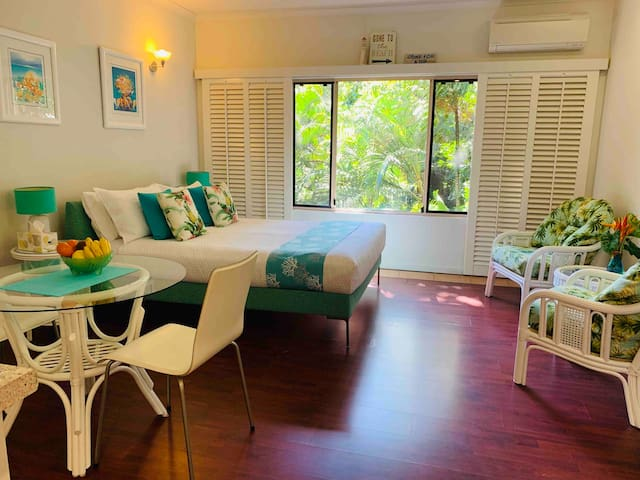 Port Douglas Beachside Apartment