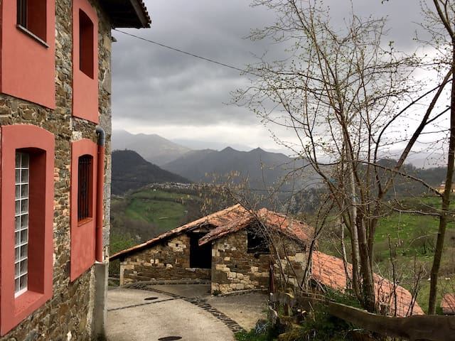 La Cantera:  The art of silence - Asturias - Casa particular