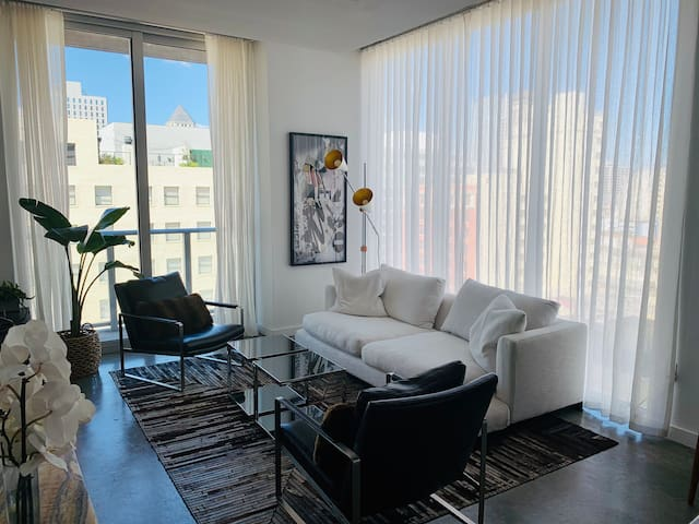 Modern Loft Downtown/Brickell Miami with Parking