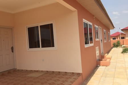 Newly built 3 Bedroom house for your comfort - Tema - Hús