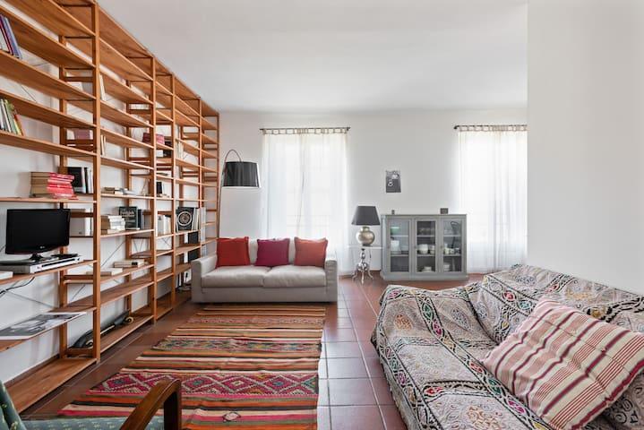 ☮ Ethnic Style near Navigli ☮