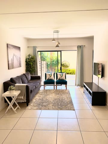 Spacious & modern 3 bedroom apartment in Dainfern