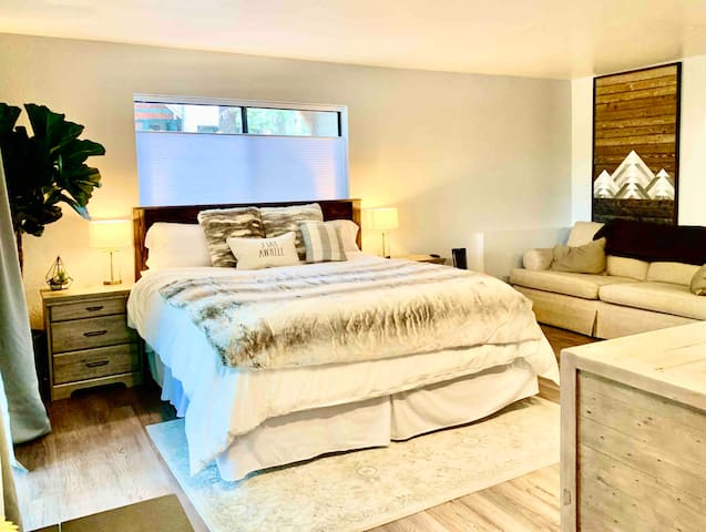 Sierra Suite w/ Private Patio in South Shore Home
