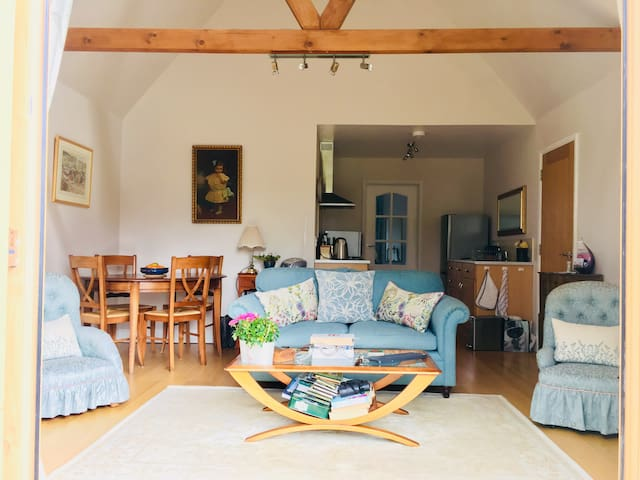 Cosy self-contained annexe in a rural location