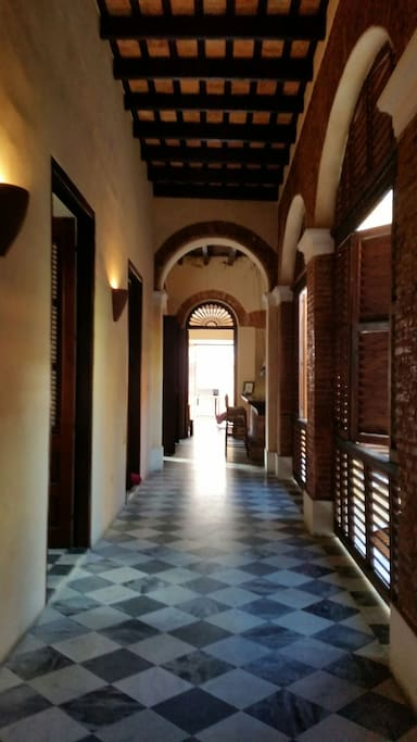 Corridor to livingriom, view from shower room.