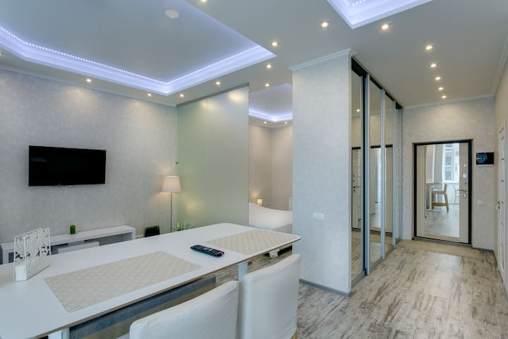 Beautiful apartment on Zavidnaya 6