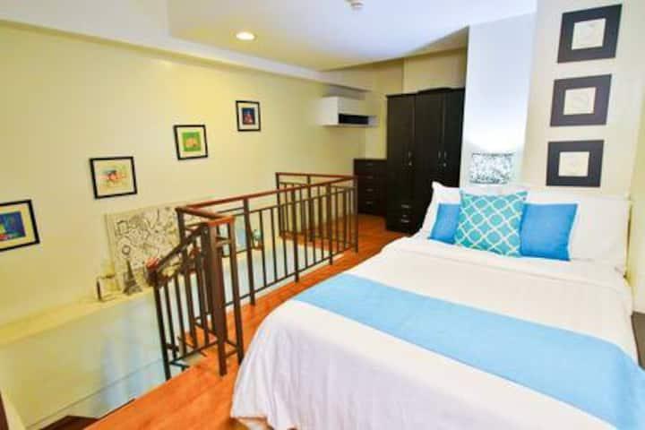Comfy loft in Greenbelt Legaspi village (10)