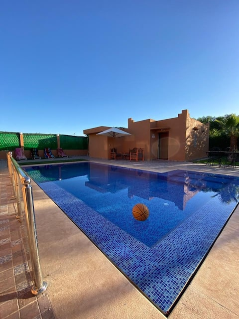 Villa not overlooked, heated pool at eco price