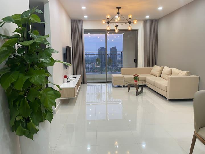 3BR sky view, morden luxury Apt at Saigon Royal