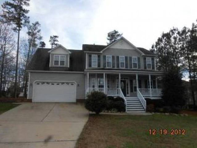 3-Bedroom Single Family Home with Room Over Garage