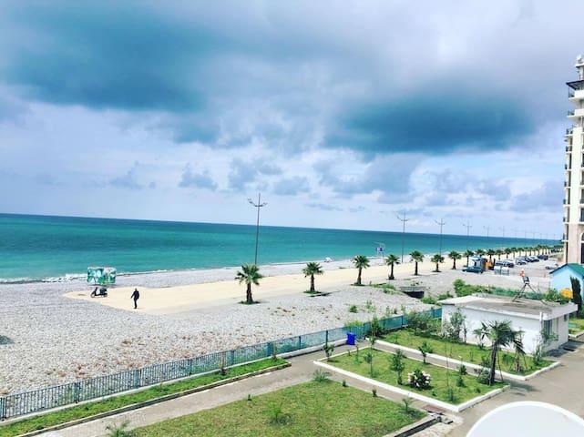 домик на пляже - Батуми - Квартира