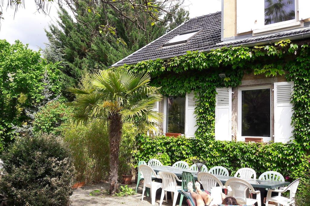 La terrasse ( une partie )