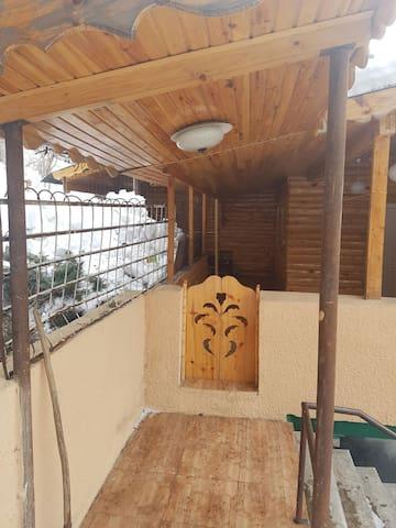 дом в лесу с чистейшим воздухом - Абастумани - Casa